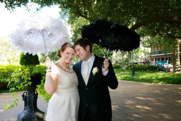 Bride Birdcage Veil Kate Spade Necklace Groom Champagne Tie Umbrellas New Orleans Wedding www.eauclairephotographics.com